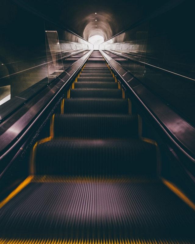 [마음과 힙합⑧] 힙합의 핵심코드 3. 네거티브 투 포지티브정신과 전문의 x 힙합 저널리스트 연재